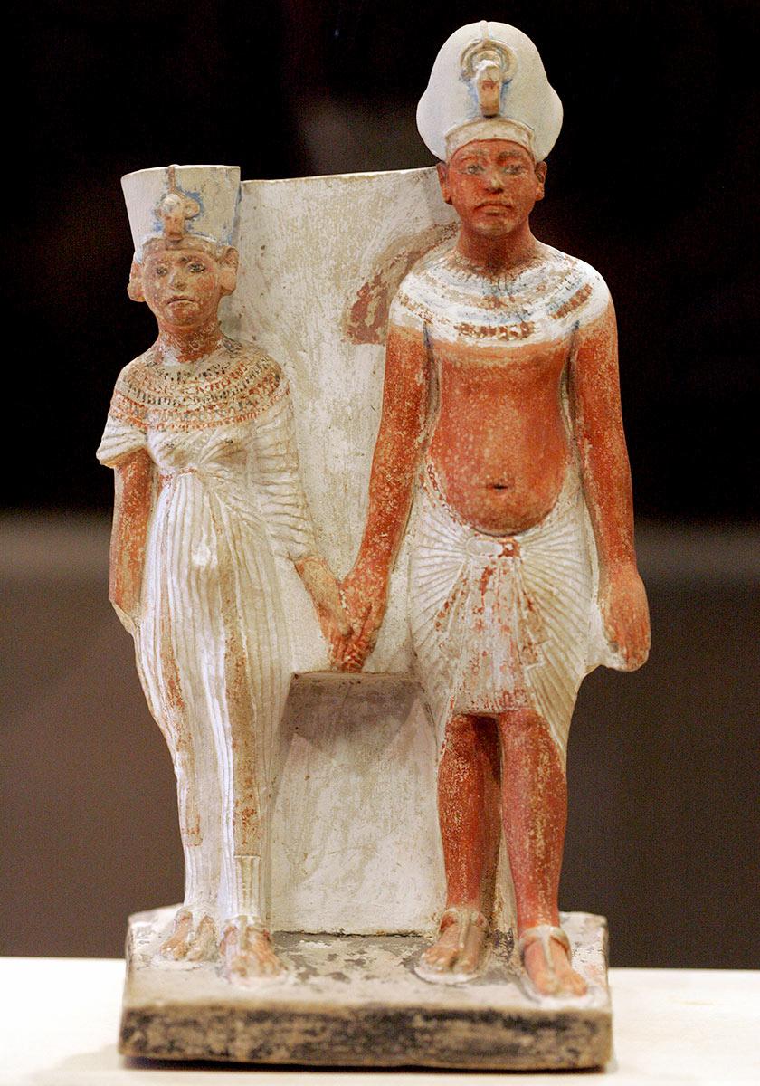 Akhenaton et Nefertiti | Musée du Louvre | 1345 av. JC