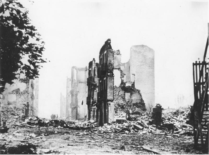 Photo de Guernica après le bombardement en 1937