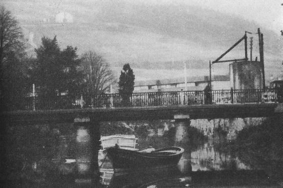 Le pont de Renteria, cible officielle du bombardement