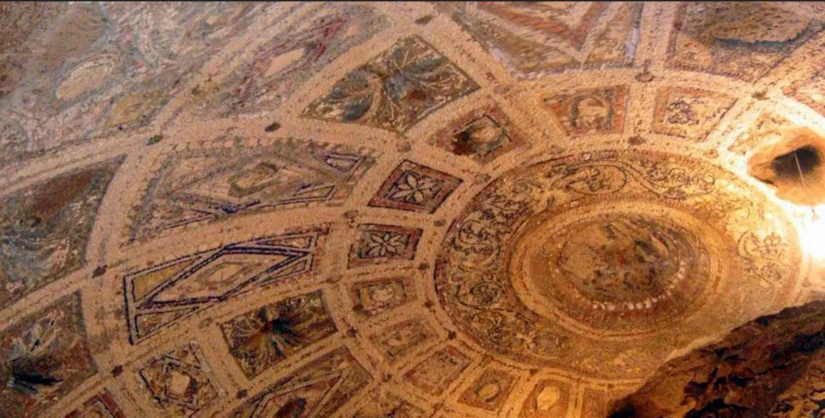 plafond de la grotte du lupercale